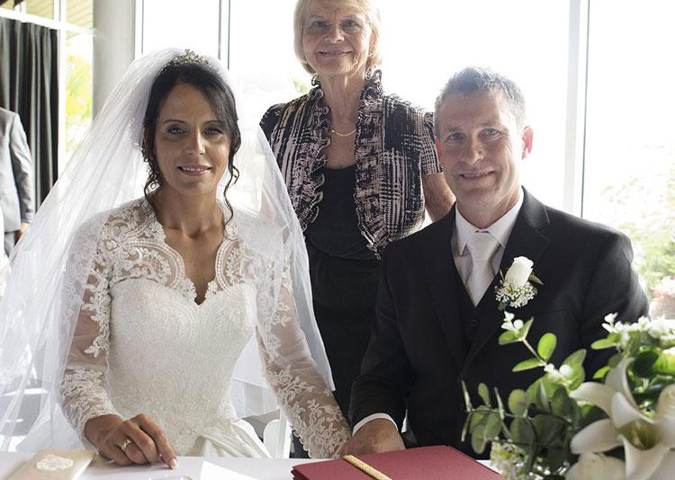 Glenda Ashleigh Marriage Celebrant Brisbane