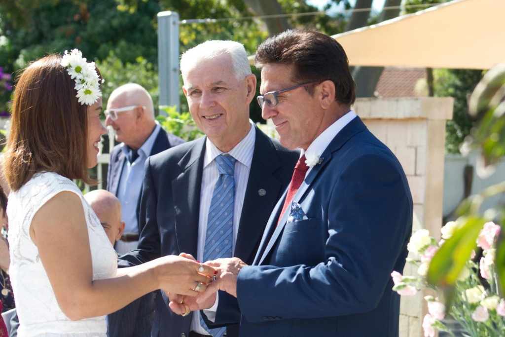 Pat Mac Anally Marriage Celebrant Gold Coast